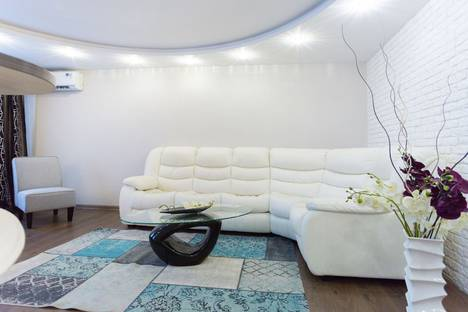 Сдается 3-комнатная квартира посуточно в Минске, проспект Победителей, 1.