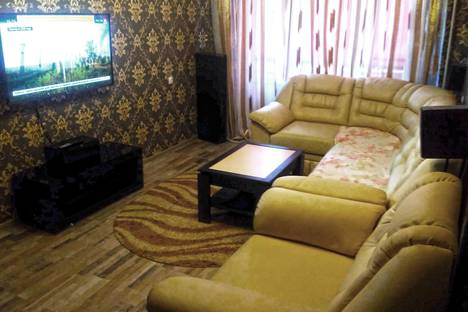 Сдается 2-комнатная квартира посуточно в Новотроицке, улица Гагарина, 13.