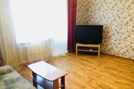 Сдается 1-комнатная квартира посуточно в Назарове, улица 8 микрорайон, 17.