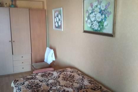 Сдается 1-комнатная квартира посуточно в Ялте, улица Ленинградская, 13А.