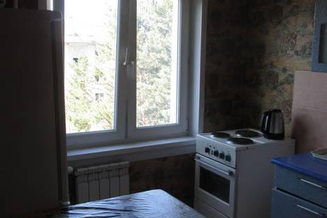 Сдается 2-комнатная квартира посуточно, ул. Бортникова 48-14.