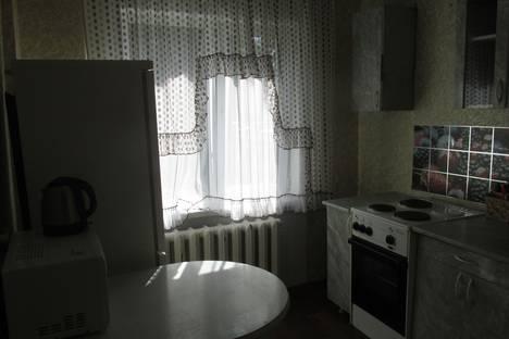 Сдается 2-комнатная квартира посуточно, ул. Бортникова 20-24.