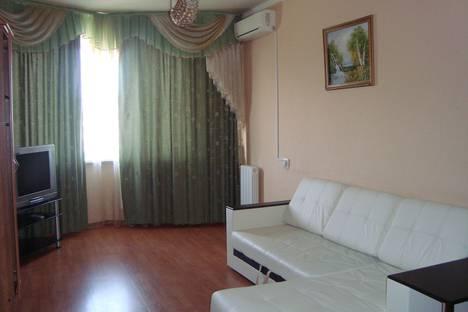 Сдается 1-комнатная квартира посуточно в Орле, улица Комсомольская, 267.
