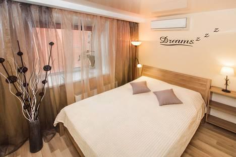 Сдается 1-комнатная квартира посуточно в Тольятти, улица 40 Лет Победы, 17А.