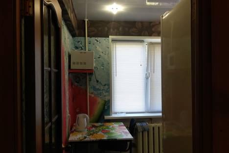 Сдается 2-комнатная квартира посуточно в Коряжме, улица Пушкина, 6.