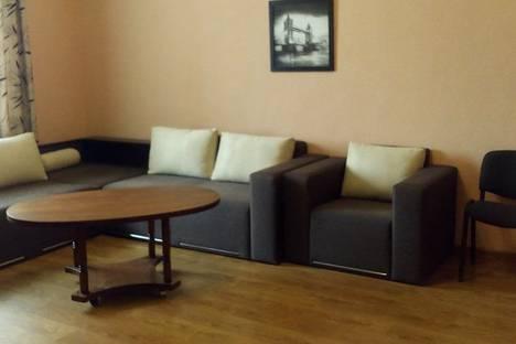 Сдается 2-комнатная квартира посуточно в Евпатории, проспект Ленина, 49.