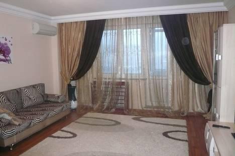 Сдается 2-комнатная квартира посуточно, микрорайон Самал-2, д. 86.