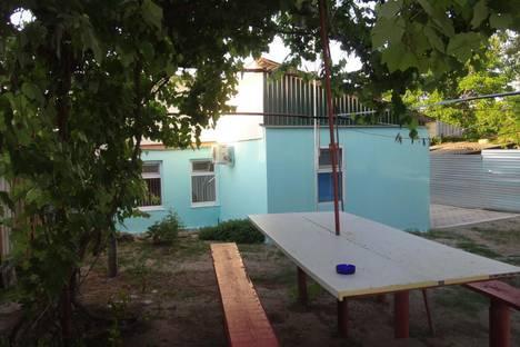 Сдается коттедж посуточно, Краснодарский край, Голубицкая, ул. Школьная 15.