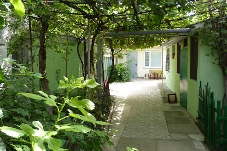 Сдается 1-комнатная квартира посуточно в Евпатории, улица Гоголя, 30.