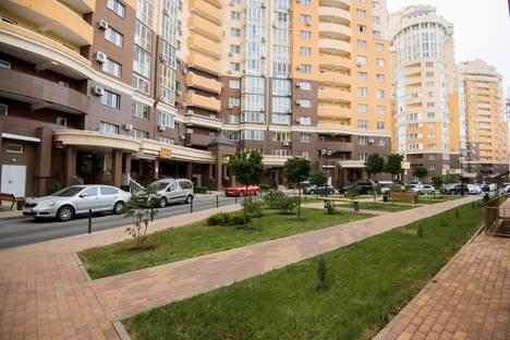Сдается 2-комнатная квартира посуточно в Краснодаре, микрорайон Кожзавод, Кожевенная улица, 26.