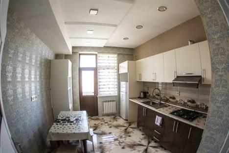 Сдается 3-комнатная квартира посуточно в Баку, Bakı, Nizami Küçəsi, 249.