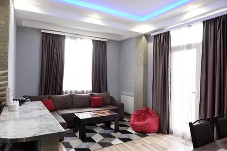 Сдается 2-комнатная квартира посуточно в Тбилиси, район Старый Тбилиси.