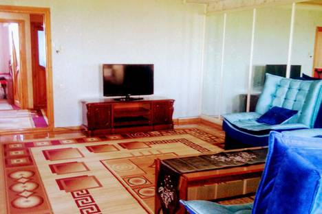 Сдается 3-комнатная квартира посуточно в Ташкенте, Тошкент, Furqat ko'chasi, 8.