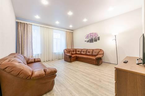 Сдается 2-комнатная квартира посуточно в Санкт-Петербурге, Невский проспект, 109.