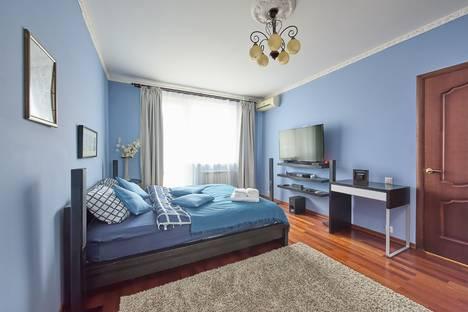 Сдается 1-комнатная квартира посуточно, 1905 Года улица, 15.