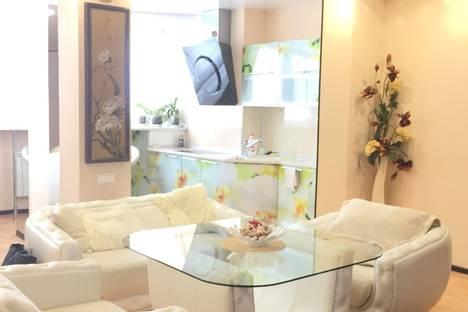 Сдается 3-комнатная квартира посуточно в Белгороде, улица Костюкова, 36.