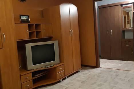 Сдается 2-комнатная квартира посуточно в Назарове, улица 30 лет ВЛКСМ, 100.