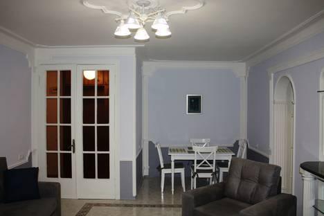 Сдается 3-комнатная квартира посуточно, ул. Узнадзе, 2.