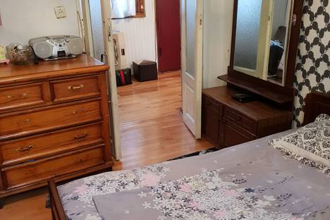 Сдается 3-комнатная квартира посуточно в Тбилиси, T'bilisi, Nino Chkheidze Street, 34/36.