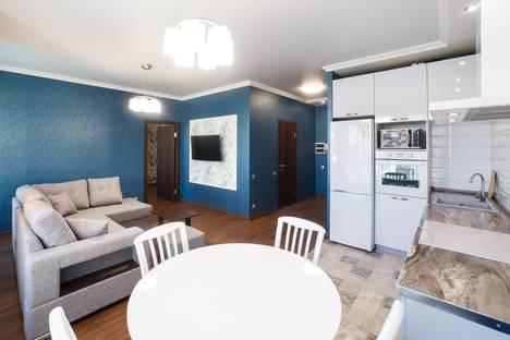 Сдается 2-комнатная квартира посуточно в Казани, улица Петербургская, 64.