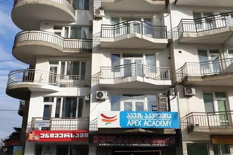 Сдается 1-комнатная квартира посуточно, ул. миротадзе1.