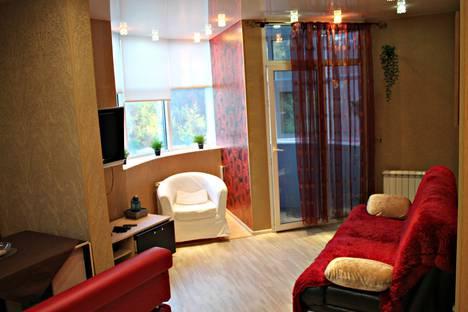 Сдается 3-комнатная квартира посуточно в Кирове, ул. Труда, 9.
