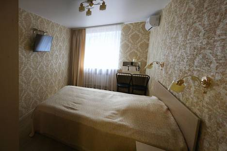 Сдается 3-комнатная квартира посуточно в Омске, улица Декабристов, 100.