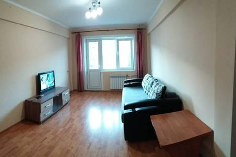Сдается 3-комнатная квартира посуточно в Улан-Удэ, улица Борсоева, 25.