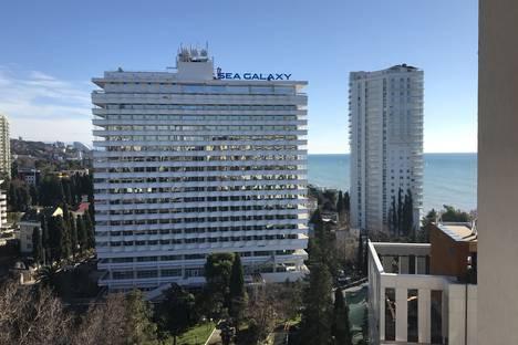 Сдается 2-комнатная квартира посуточно в Сочи, улица Черноморская 6.