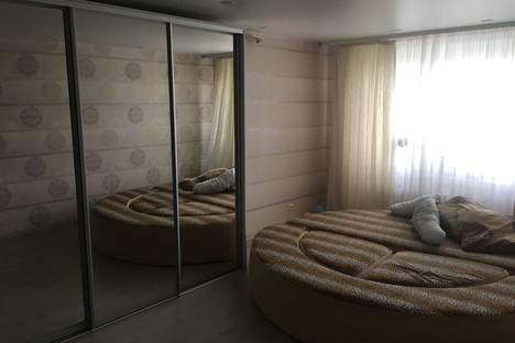 Сдается 3-комнатная квартира посуточно в Тюмени, Кремлевская 85 к 1.