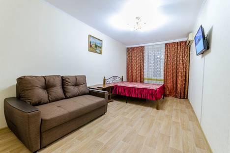 Сдается 2-комнатная квартира посуточно, улица 40-летия Победы, 35.