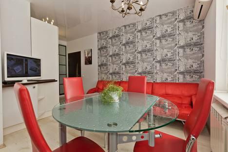 Сдается 2-комнатная квартира посуточно в Нижнем Новгороде, Тимирязева 35.