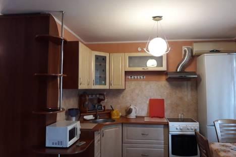 Сдается 2-комнатная квартира посуточно в Усть-Каменогорске, ул.Карбышева 22.