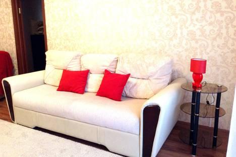 Сдается 3-комнатная квартира посуточно в Магнитогорске, Красноармейская улица, 6.