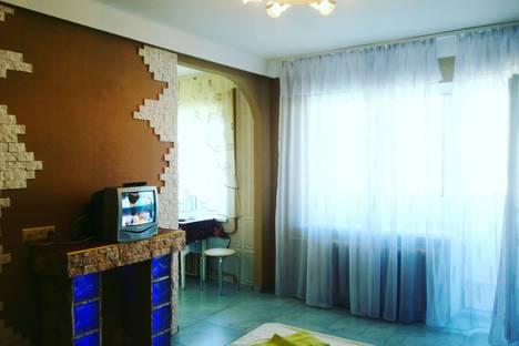 Сдается 1-комнатная квартира посуточно в Киеве, Київ, вулиця Мілютенка, 7А.