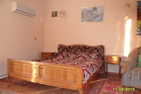 Сдается 3-комнатная квартира посуточно в Евпатории, Пушкина, 14.