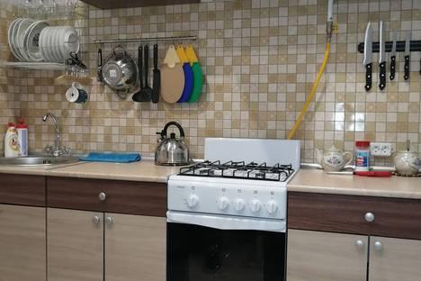 Сдается 1-комнатная квартира посуточно в Переславле-Залесском, Чкаловский микрорайон.