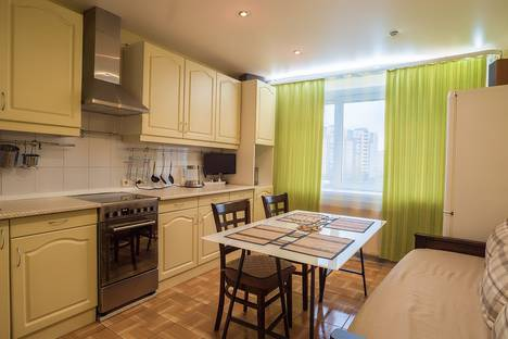 Сдается 1-комнатная квартира посуточно, Комендантская площадь, 8А.