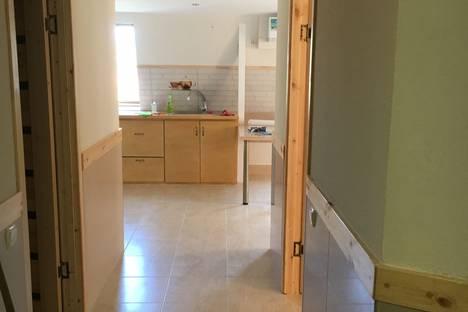 Сдается 2-комнатная квартира посуточно в Ялте, улица Рабочая 31.