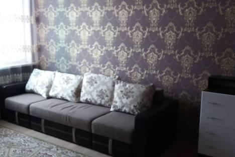 Сдается 2-комнатная квартира посуточно в Астане, проспект Ракымжана Кошкарбаева, 32.