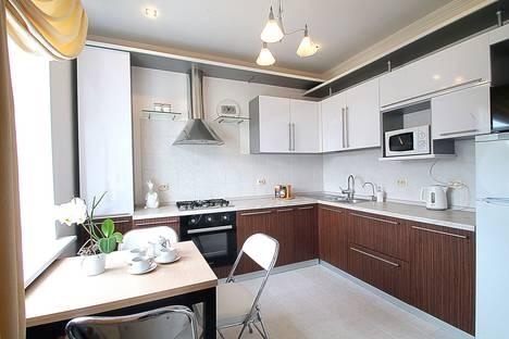 Сдается 2-комнатная квартира посуточно в Ярославле, проспект Ленина, 31.