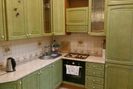 Сдается 4-комнатная квартира посуточно в Волгограде, Советская 20.