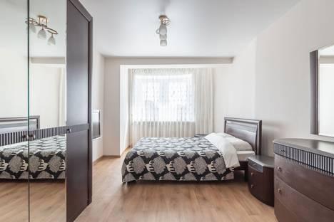 Сдается 2-комнатная квартира посуточно в Нижнем Новгороде, улица Максима Горького, 140.