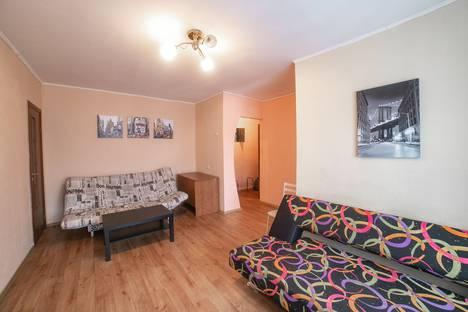Сдается 2-комнатная квартира посуточно в Томске, проспект Ленина, 74.