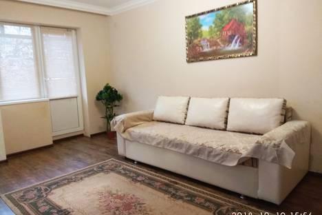 Сдается 2-комнатная квартира посуточно, улица Байсултанова, 5.