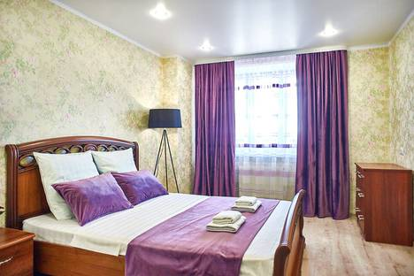Сдается 2-комнатная квартира посуточно в Магнитогорске, проспект Ленина, 92.