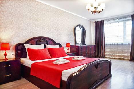 Сдается 2-комнатная квартира посуточно в Магнитогорске, проспект Карла Маркса 115/2.