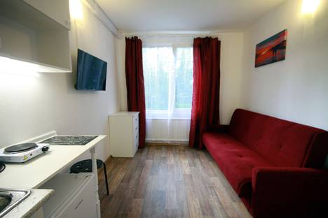 Сдается 1-комнатная квартира посуточно в Санкт-Петербурге, Краснопутиловская улица, 127.