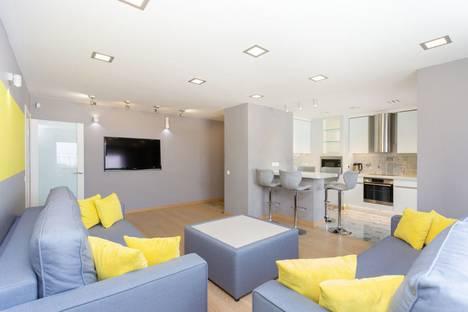 Сдается 3-комнатная квартира посуточно, Обойная улица, 4к2.