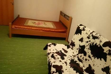 Сдается 1-комнатная квартира посуточно в Апатитах, улица Бредова, 6.